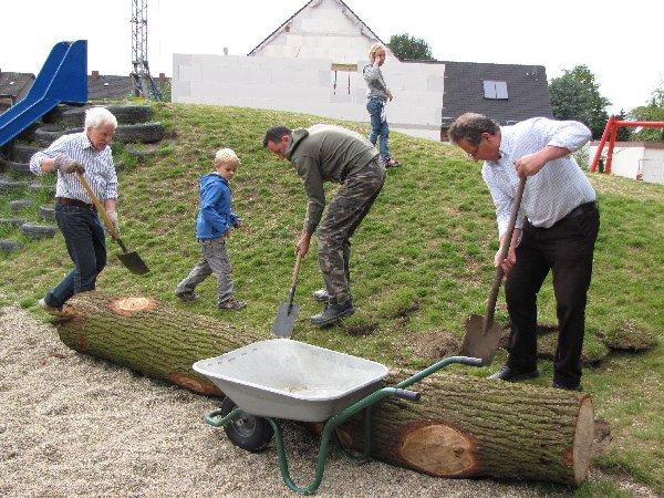 Baumstammaktion Spielplatz Henrichenburg